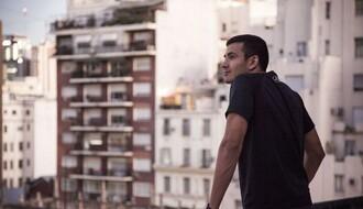 Aplauz u osam: Izađite na svoje terase i prozore i podržite zdravstvene radnike u Srbiji