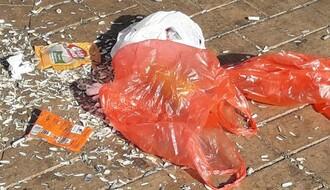 """FOTO: Pune ruke posla za """"Čistoću"""" na Keju žrtava racije"""