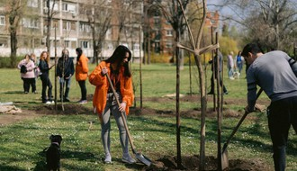 FOTO: Okolina Štranda bogatija za 18 novih stabala