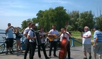 52 vikenda u Novom Sadu: Skelama preko Dunava (FOTO)