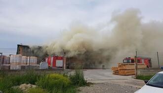 Veliki požar izbio u Veterniku (FOTO)