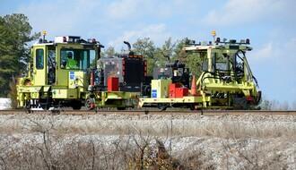 PETROVARADIN: Krao metalne elemente sa gradilišta pruge