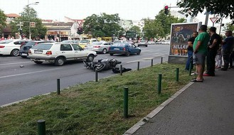 Saobraćajna nesreća na Bulevaru oslobođenja, motor oborio pešaka