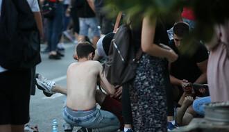 HITNA POMOĆ: Povređeno šestoro učesnika protesta u Novom Sadu