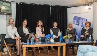 """Tražila se stolica više: Uspešne preduzetnice govorile u """"Fabrici"""" (FOTO)"""