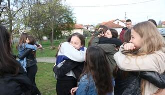 FOTO: Novosadski osnovci stigli jutros u Gračanicu
