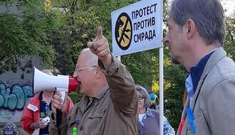 """FOTO: Na Beogradskom keju održan """"Protest protiv smrada"""""""