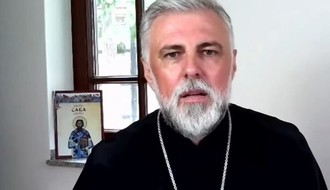 Vladika Grigorije: Ogorčenost naroda je ogromna, ali nasilje mora da prestane