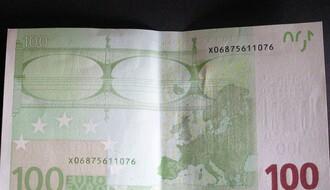 Od 25. maja počinje isplata po 100 evra svim građanima koji su se prijavili
