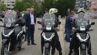 FOTO: Stigla nova vozila za novosadsku policiju i vatrogasce