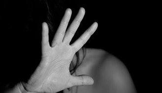 Poražavajući rezultati: Svaki četvrti mladić i svaka 10. devojka smatra da šamar nije nasilje