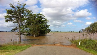 Zbog poplava evakuisan velik broj ljudi