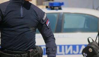 Kiselinom zasula automobile policajaca u Srbobranu