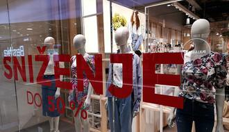 """SNIŽENJA U TRŽNIM CENTRIMA: Evo gde možete da se obučete za samo """"dve crvene"""" (FOTO)"""