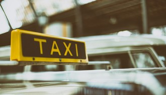 I taksisti protiv kombi prevoznika