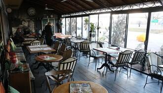Taverna Sat: Mesto gde kafu možete popiti uz Miku Antića i pogled na Tvrđavu