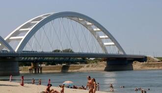 OFICIRAC: Najveća i najsunčanija novosadska divlja plaža (FOTO)
