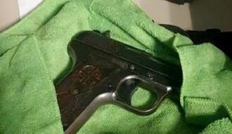 Hapšenje u Novom Sadu zbog oružja i marihuane (FOTO)