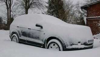 AMSS: Zimske gume od 1. novembra – po snegu, ledu i poledici