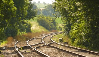 Hemijski voz 27. i 28. aprila uklanja rastinje duž pruga u Novom Sadu i okolini