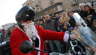 """""""Moto Deda Mrazovi"""" u subotu dele paketiće"""