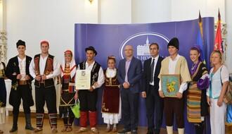 Članovi KUD-a iz Kaća, osvajači prestižnog priznanja u Gradskoj kući
