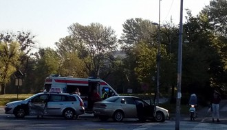 Žena povređena u udesu u blizini Rektorata (FOTO)