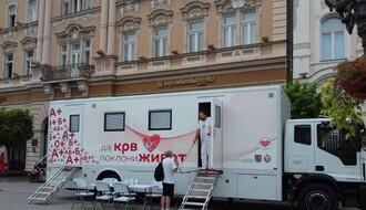 Transfuziomobil u subotu na Trgu slobode, primaoci pojedinih vakcina moraju da odlože davanje krvi