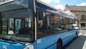 """Dve žene povređene kada su se dva autobusa """"očešala"""" na stajalištu"""