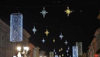 NS: Počelo novogodišnje kićenje grada