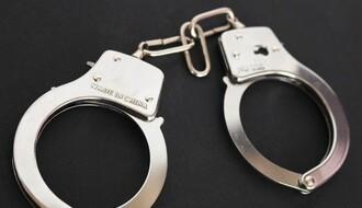 MUP: Uhapšen u stanu sa skoro pola kilograma heroina