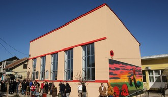 RUMENKA: Obnovljena zgrada Doma kulture (FOTO)