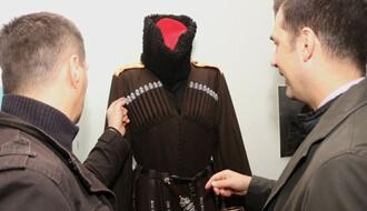 "FOTO: Kostimi i rekviziti iz ""Senki nad Balkanom"" stigli u Novi Sad"