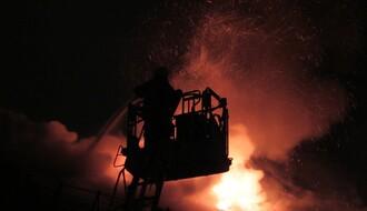 U požaru na Bulevaru oslobođenja izgoreo stan