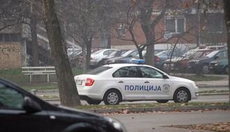 """Novosađanin bežao od policije, izbacio nelegalni """"Magnum"""" kroz prozor automobila"""