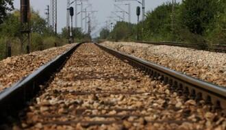 Sremski Karlovci: Muškarac se bacio pod voz