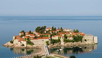 U Crnoj Gori 75 hiljada srpskih turista, a sve više obolelih od kovida