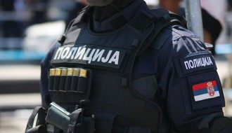 Incident na protestu u Petrovaradinu, kolima udareno nekoliko osoba (VIDEO)