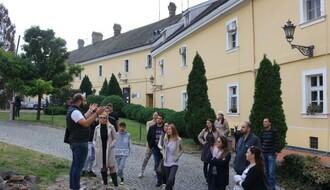 NIŠTA BEZ VODIČA:  Šta sve možete saznati tokom turističke ture po Petrovaradinskoj tvrđavi (FOTO)