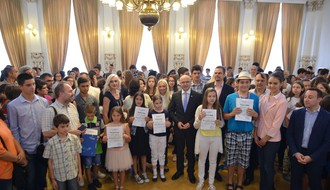 Najuspešniji učenici uz Vidovdansku dobili i novčanu nagradu