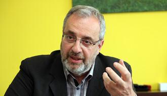 Dr Ranko Rajović: Onlajn nastava uz previše vremena na mobilnim telefonima ostaviće negativne posledice na decu