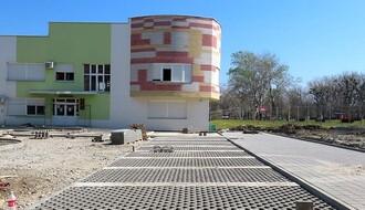 FOTO: Radovi na izgradnji parkirališta u Radničkoj ulaze u završnu fazu