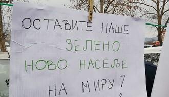 FOTO: Na Novom naselju održan protest protiv izgradnje garaža