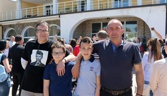 Novosadski osnovci posetili vršnjake na KiM: Stranci u sopstvenoj državi (FOTO)