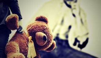 Potpisivanje peticije za uvođenje kazne doživotnog zatvora za ubice dece od nedelje na Trgu slobode