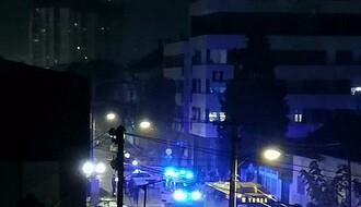 Dve osobe povređene u sudaru autobusa i automobila u Heroja Pinkija (FOTO)