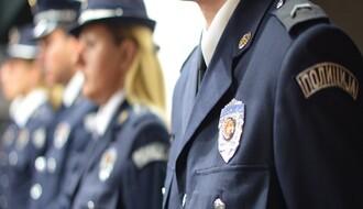 U policijskoj akciji pronađena hladna oružja i narkotici