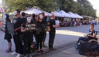 """""""BEZIMENI ZA BEZGLASNE"""": Nek i Novosađani shvate da kravica nije srećna kao u TV reklami (FOTO)"""