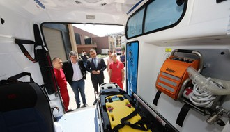 Novosadska Hitna pomoć dobila dva nova sanitetska vozila (FOTO)