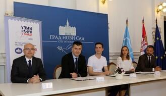 """""""Uzmi račun i pobedi"""": Potpisani ugovori sa dobitnicima stanova u Novom Sadu i Beogradu"""